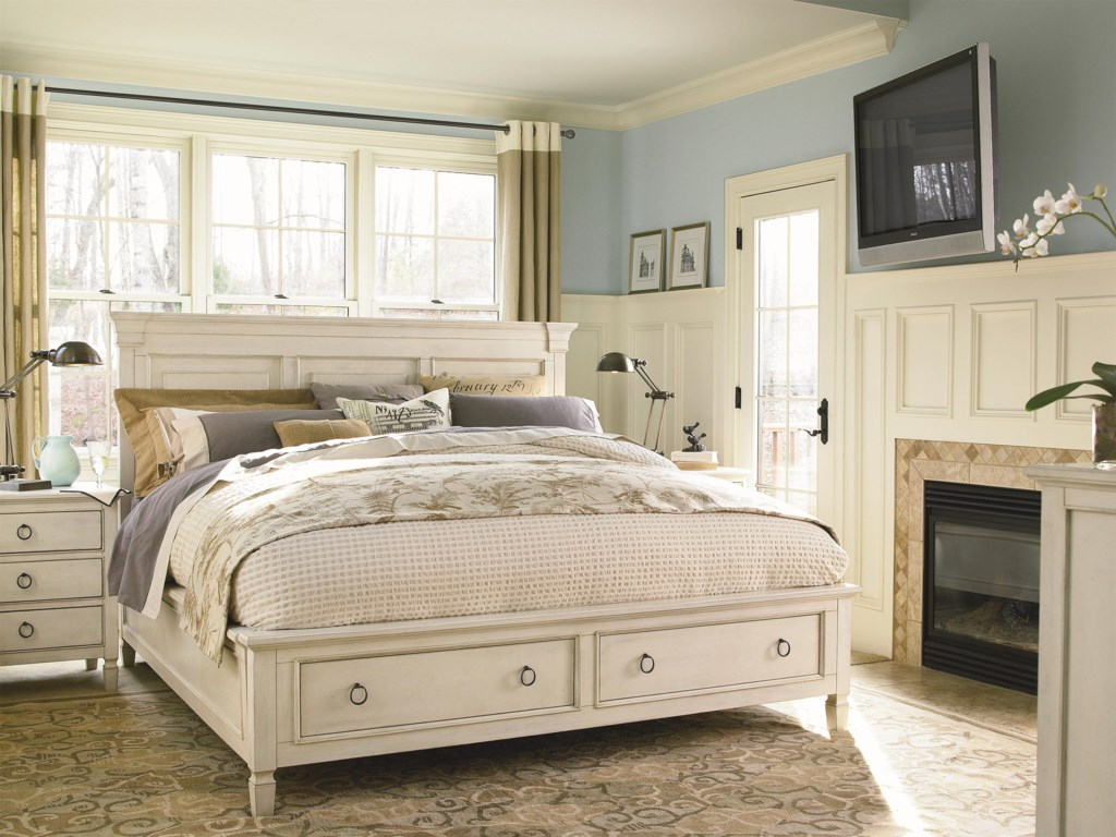 Universal Summer HillQueen Storage Panel Bed