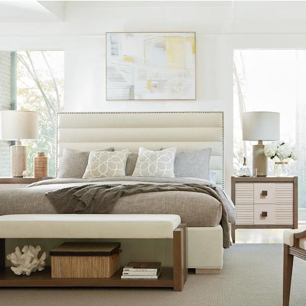 Universal synchronicity queen bedroom group