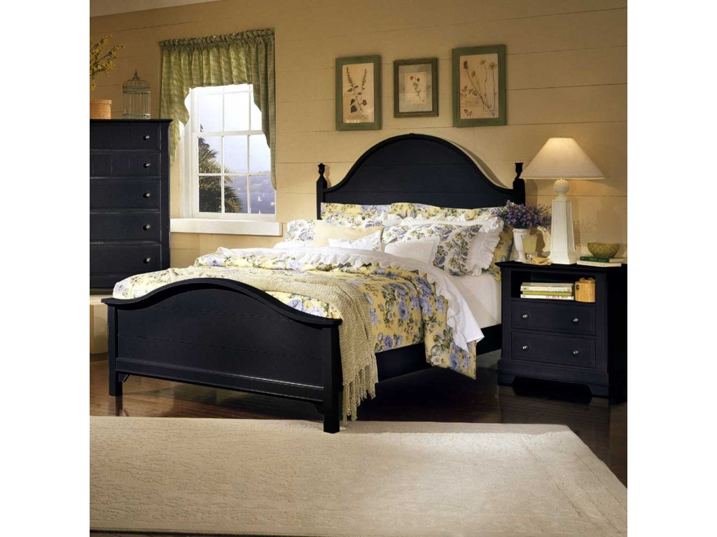 Shown with BB16-115 Chest of Drawers and BB16-227 Commode / Nightstand