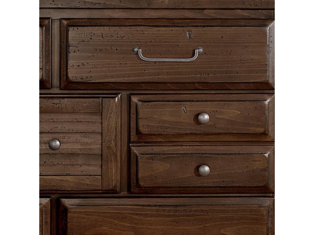 Vaughan Bassett SawmillDresser - 7 drawers