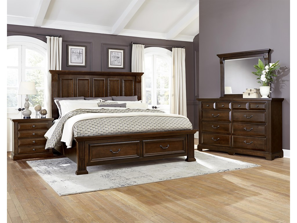 King Size Bed Shown. Queen Bed Has 4 Panels on Headboard.
