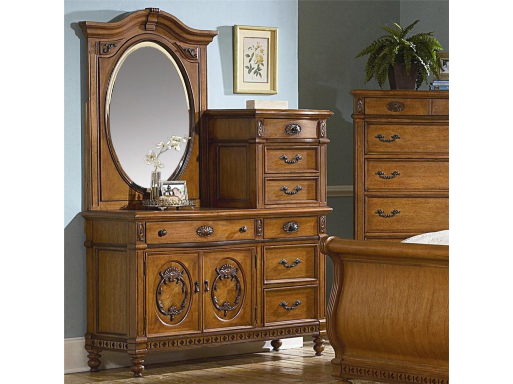 Vaughan Furniture Southern HeritageChesser and Mirror