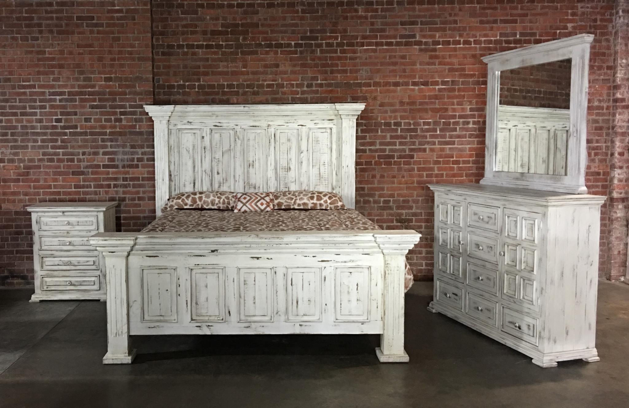 Vintage Chalet Queen Nero White Bed, Dresser, Mirror U0026 Nightstand
