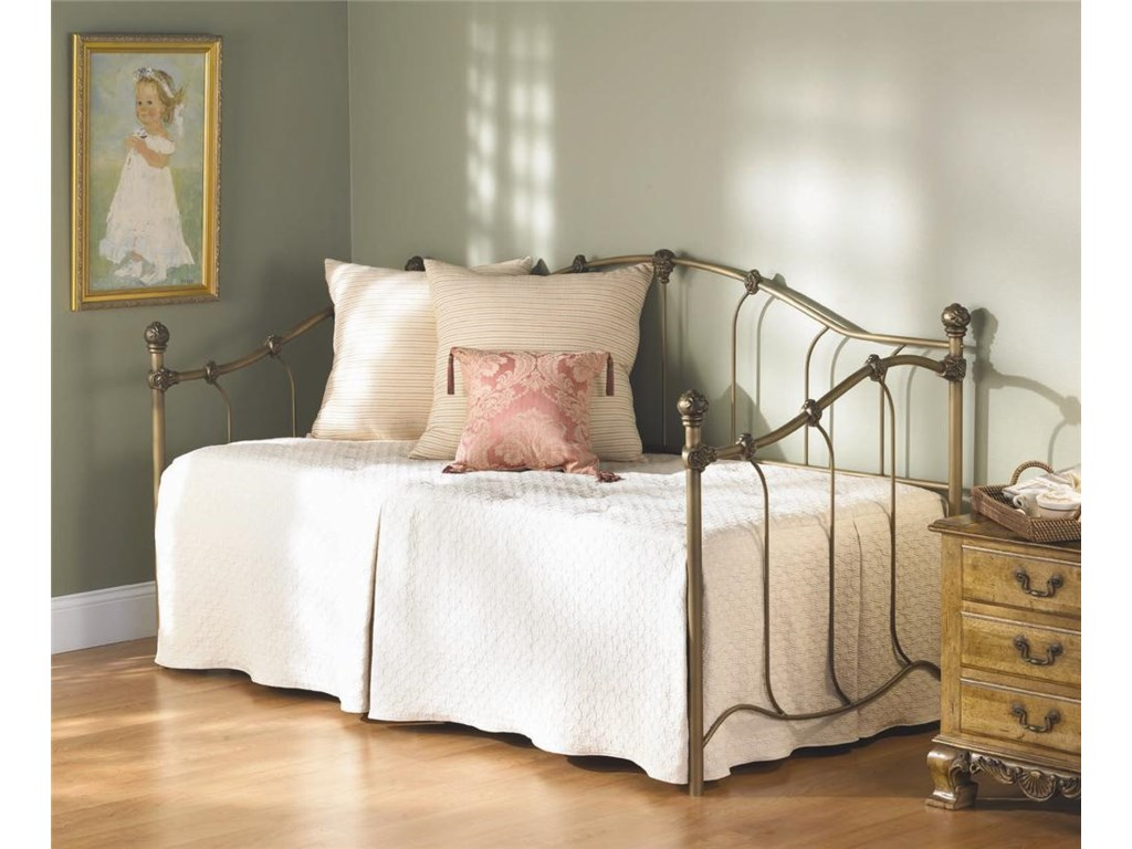 Wesley Allen Iron Beds Woodley Iron Daybed Wayside Furniture Daybeds