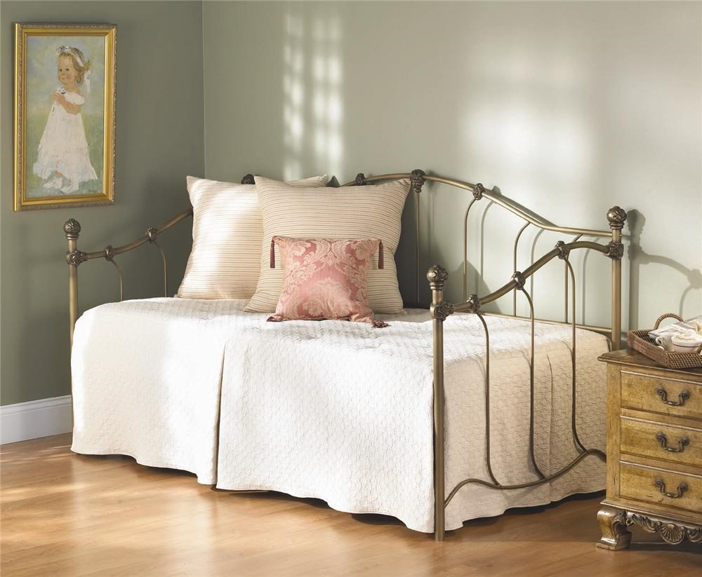 wesley allen iron beds woodley iron daybed furniture daybeds