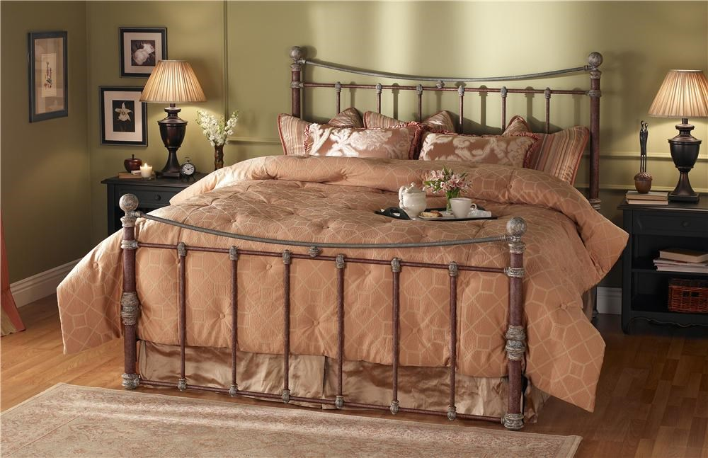 Wesley Allen QuatiQueen Headboard and Footboard Bed
