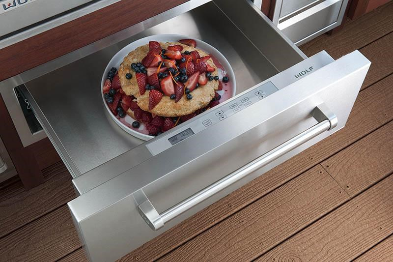 Shown with with Classic Stainless Panel and Pro Handle