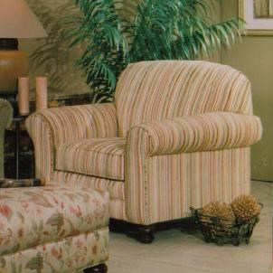 Hillcraft 239 Plush Upholstered Lounge Chair
